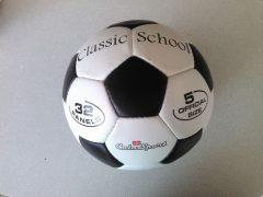 Classic School bőr focilabda