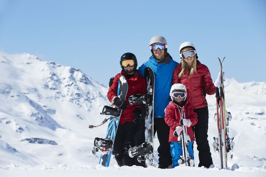 20f9d6d5cc Megérkezett az igazi tél, sok havazással, így már Európa-szerte mindenhol  nyitva vannak a sípályák, a 10-20 centiméteres hó ideális a téli sportok ...
